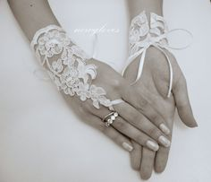ivory lace Glove, Original design, Fingerless Glove, High Quality lace glove, ivory wedding, UNIQUE Bridal glove, FREE SHIP, on Etsy, $16.34 CAD