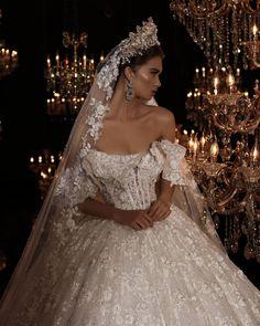 "1,484 Me gusta, 5 comentarios - Frida Xhoi&Xhei (@frida_xhoi_xhei) en Instagram: ""Frida Xhoi&Xhei! Prova e vertete qe nje fustan i bardhe mund t'ju ndryshoje jeten! #crown…"""