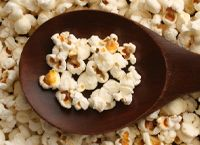Sweet n' Spicy Popcorn Spicy Popcorn, Popcorn Toppings, Healthy Popcorn, Flavored Popcorn, Popcorn Recipes, Snack Recipes, Cooking Recipes, Healthy Recipes, Organic Popcorn