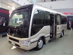 【トヨタ コースター 新型】24年ぶりにフルモデルチェンジ、発売は2017年の1月23日[写真蔵]