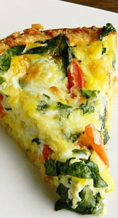 Caprese Florentine Quiche Be the star of the show at Easter Brunch when you serve this delicious quiche packed with fresh flavors on top of a shredded hash brown potato crust! Breakfast Quiche, Breakfast Dishes, Breakfast Time, Breakfast Recipes, Breakfast Ideas, Breakfast Casserole, Egg Dishes For Brunch, Breakfast Healthy, Egg Recipes