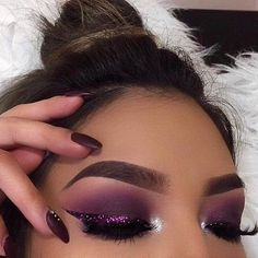 Valentine's Day Makeup Looks - a pretty idea for Valentines makeup or date night. Glam Makeup, Cute Makeup, Pretty Makeup, Skin Makeup, Beauty Makeup, Hair Beauty, Awesome Makeup, Beauty Nails, Maquillage On Fleek