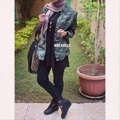 #hijabfashion #hijab #hijaboutfit #hijablookbook #hijabmodesty #hijabmuslim #hijablook #hijabi #chichijab #cairostyle #modestmode #modesty #summerfashion #hijablove #elegant #elegance #instafashion #fashionista #fashion #ootd #lookoftheday #lookbook #fashionstatement #hijabifashion #accessories #streetstyle #hijabstreetstyle #hijabystreetstyle #attitude #army #armyshirt #black #blackWedges