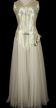 1935 wedding gown