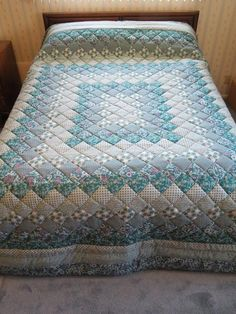 Best 12 Teal & Gray King Size pieced, hand-quilted Trip Around the World Quilt Japanese Quilt Patterns, Japanese Quilts, Baby Quilt Patterns, Log Cabin Quilt Pattern, Log Cabin Quilts, Colchas Quilting, Quilting Designs, Teal Quilt, Puff Quilt