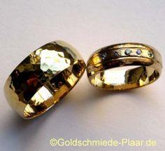 Trauringe mit Hammerschlag aus Gold