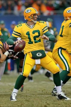 sportzovertime: Packers QB Aaron Rodgers ruled out of Sunday's game vs Steelers Chris R. Nfl Football Teams, Football Uniforms, Packers Football, Football Memes, Sports Memes, Football Season, Nfl Redzone, Football Posters, Football Awards