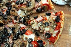 Начинка для пиццы с грибами, салями и беконом