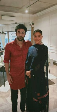 Cute Couples Goals, Couple Goals, Sexy Love Quotes, Alia Bhatt, Celebs, Celebrities, Indian Wear, Traditional Outfits, Chic Outfits