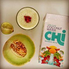 Zielone koktajle: melon + woda kokosowa + banan + limonka + goji