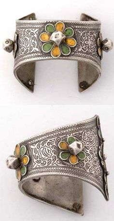 Morocco | Bracelet from Tahala | Silver and enamel | ca. 1900