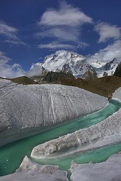 Broad Peak 8051m seen from Baltoro Glacier in northern Pakistan (by RasheedFR )