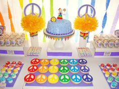 Peace Love Dessert Table Hippie Birthday Peace Sign in Hippie Birthday Party - Party Supplies Ideas Hippie Birthday Party, Hippie Party, Birthday Party Celebration, Girl Birthday, Birthday Parties, 60th Birthday, Peace Sign Party, Peace Signs, Flower Power Party