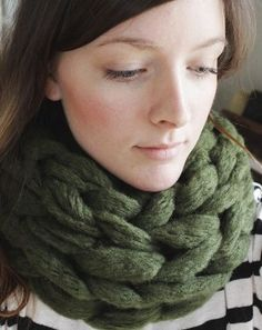 15 Minute Arm Knit Infinity Scarf