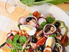 Šalát zo zeleniny, ančoviek a zemiakov