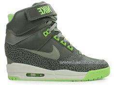 official photos c72d9 f90be Officiel Nike Air Revolution Sky Hi GS Chaussures Nike Pas Cher Pour Femme  Noir Vert 599410-002