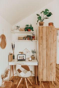 Study Room Decor, Room Ideas Bedroom, Diy Bedroom Decor, Bedroom Desk, Decor Diy, Dream Bedroom, Bedroom Furniture, Boho Room, Aesthetic Room Decor