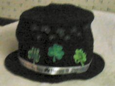 St. Patrick's Day Top Hats - free crochet pattern