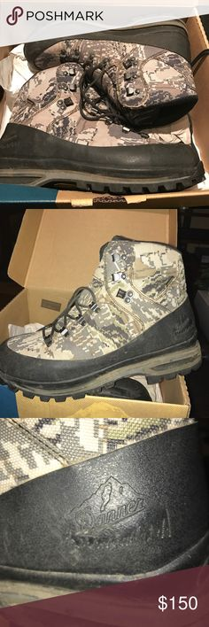 Men's Danner Full Curl Boots These have been worn only twice. No wear on the sole. Men's size 9 1/2. Original price $240. Great for hunting, hiking, snow and much more. Waterproof Gore-Tex XCR liner. Gore optifade concealment. High-performance outsold. Danner Shoes Boots