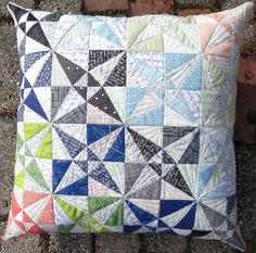 Elven Garden Quilts: Reflected Textures Cushion {finish}.  Very pretty.  Similar to Kaleidoscope block, but called 'crossed canoes'