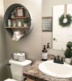 36 Beautiful Farmhouse Bathroom Design and Decor Ideas You Will Go Crazy For Stunning Modern Farmhouse Bathroom Decor Ideas 30 Modern Farmhouse Bathroom, Modern Bathroom Decor, Small Bathroom, Master Bathroom, Farm House Bathroom Decor, Downstairs Bathroom, Gold Bathroom, Modern Decor, Budget Bathroom