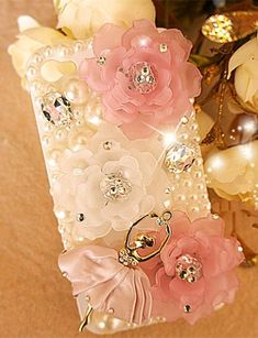 DIY decoden kit to decorate your tablet, reader, cell phone or picture frame.
