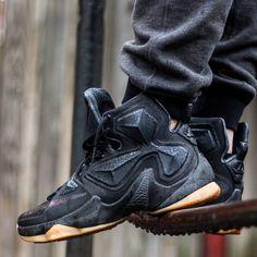 sports shoes ab1b2 3e245 Nike LeBron 13