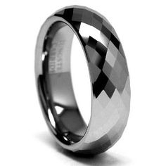 erm... i dont want to marry anyone, but i do kinda want this ring. :)