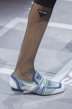 Prada at Milan Fashion Week Spring 2019 - Details Runway Photos Quirky Shoes, Funky Fashion, 50 Fashion, Fashion Styles, Fashion Trends, Couture Shoes, Clearance Shoes, Fashion Boots, Milan Fashion