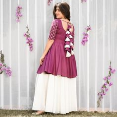 Quite Grill Dressing Fashion Top of The world Indian Fashion Dresses, Indian Gowns Dresses, Dress Indian Style, Indian Designer Outfits, Frock Fashion, Fashion Top, Designer Dresses, High Fashion, Long Dress Design