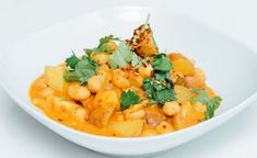 Thai Red Curry, Cantaloupe, Fruit, Ethnic Recipes, Food, Cilantro, Essen, Meals, Yemek