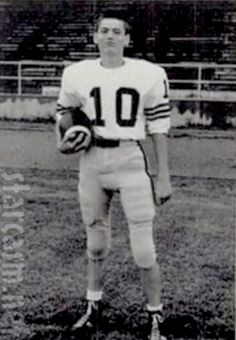 Uncle Si also was a football player
