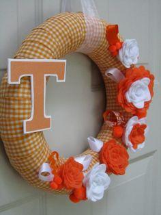 University of Tennessee Wreath UT Orange White Gingham Ribbon Fall Rose Style Felt Flower Tennessee Girls, Tennessee Football, University Of Tennessee, Orange Country, Diy Wreath, Fabric Wreath, Wreath Ideas, Felt Flowers, 4th Of July Wreath