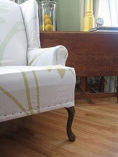 Decor Hacks : NO SEW wing chair slipcover. Acrylic Dining Chairs, French Dining Chairs, Furniture Projects, Diy Furniture, Furniture Design, Wingback Chair Slipcovers, Custom Slipcovers, Upholstered Chairs, Swivel Chair