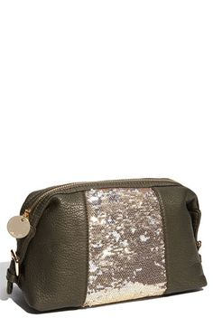 Makeup bag w/ sparkle :)