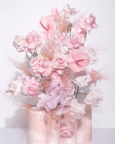 A bouquet of freshly cut roses inspired by Nudesse.