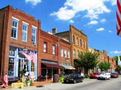 Everyone Should Visit Jonesborough, One Of The Best Small Towns In Tennessee Tellico Plains, Local Festivals, County Seat, Johnson City, East Tennessee, Nashville Tennessee, Small Towns, Old Town, Places To See
