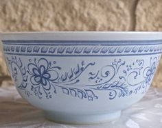 RARE Special Edition Pyrex Brittany Blue 1.5 qt mixing bowl 478-B