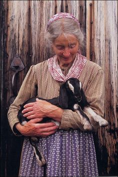 Tasha Tudor & baby goat, the original 森ガール ;)