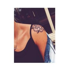 29 Awesome Shoulder Tattoo Designs For Women - 29 Awesome Shoulder Tattoo Designs For Women - Trendy Tattoos, Love Tattoos, New Tattoos, Small Tattoos, Tattoos For Guys, Tatoos, Shoulder Cap Tattoo, Shoulder Tats, Shoulder Tattoos For Women