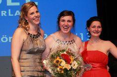 Maria Steffes ist neue Moselweinkönigin. Prinzessinnen sind Marie-Luise Kerpen und Julia Gessinger.