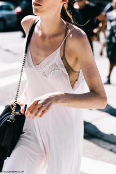 NYFW-New_York_Fashion_Week_SS17-Street_Style-Outfits-Collage_Vintage-Vintage-Del_Pozo-Michael_Kors-Hugo_Boss-193-1600x2400.jpg (1600×2400)