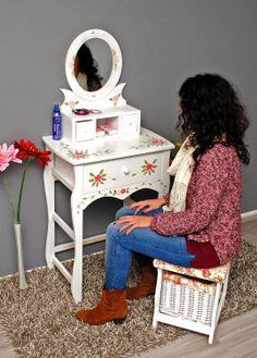 Tocador con espejo pintado a mano y decorado con flores con cajón blanco y silla: Amazon.es: Hogar