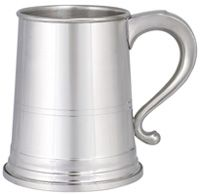 Woodbury Pewter Tankard - Danforth - 22 oz Pewter Tankards Danforth Tavern Mug - 22 oz. The Danforth tavern mug is a favorite graduation gifts and super for awards and presentations. Pewter Tankard, Beer Mugs, Root Beer, Gift Ideas, Kitchen, Gifts, Men, Products, Style
