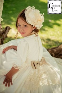 BebésChic nueva colección Vestidos de Comunión 2014 | COMUNIÓN TRENDY :: Mil ideas para organizar una Primera Comunión :: Vestidos de comunión, Recordatorios, Trajes de Comunión