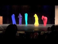 Talent Show Ideas Funny Lip Sync Lip Sync Songs, Bucket Drumming, Funny Lips, Kids Talent, Ylvis, Show Dance, Music And Movement, Music Activities, School Humor