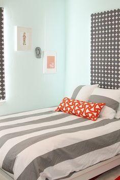 Street Design School: Grey and Orange Nursery Orange Nursery, Bedroom Orange, Orange Kids Rooms, My New Room, Boy Room, Decoration, Interior Design, Mint Walls, Blue Walls