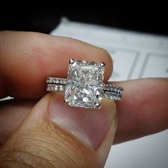 Take a look at this absolutely stunning Radiant Cut Diamond Engagement Ring…