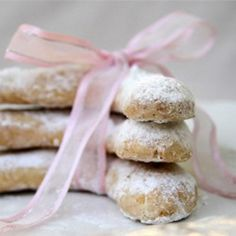 Vanilla and hazelnut biscuits