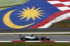 Nico Rosberg se lleva el mejor crono en la primera sesión de libres en Sepang